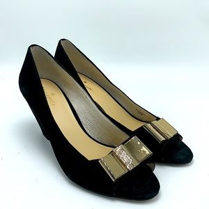 Kate Spade black gold bow wedge heels size 9.5